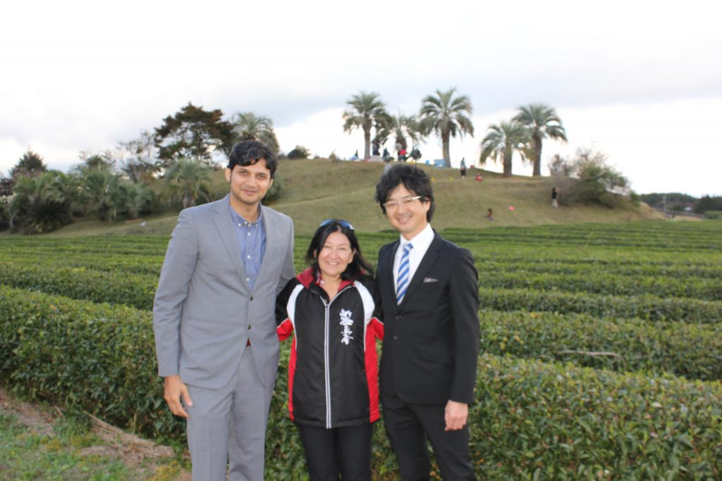 Plantation de thés à Shizuoka - Rencontre avec M. Katsumata et M. Bider pour Les Thés Fuji